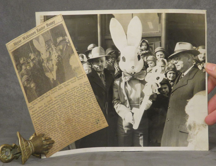 Unsettling photos of the Easter Bunny (1948). n/a.