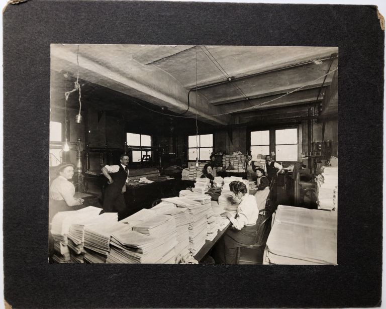 1910s 8x6 photo of collation and printing work at a printing press. Occupational Photograhy.