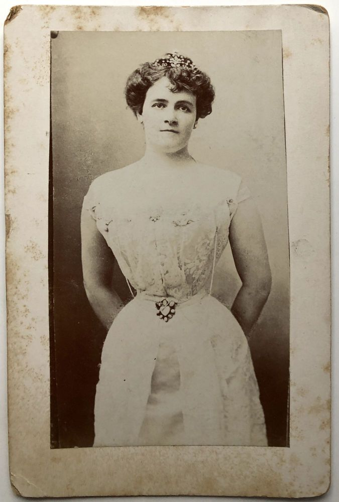 Ca. 1900s cabinet photo of Evelyn Partridge, Princess Engalitcheff of Russia